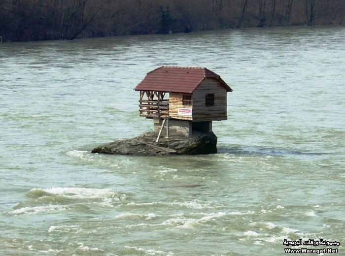 house_river_01