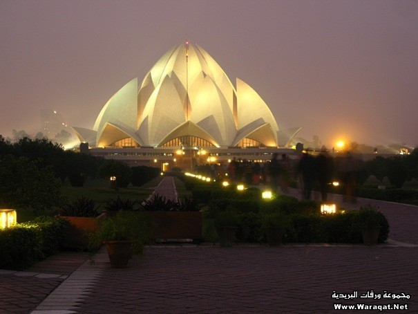 28-lotustemple