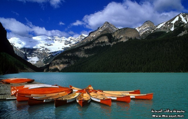 Canada, Alberta, Rockies, Banff National Park, Canoe on lake Louise
