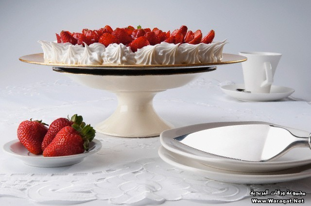 Strawberry meringue served with a cup of coffee